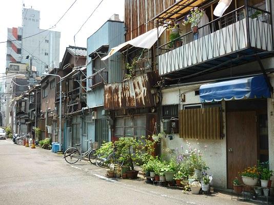 japan dirty houses
